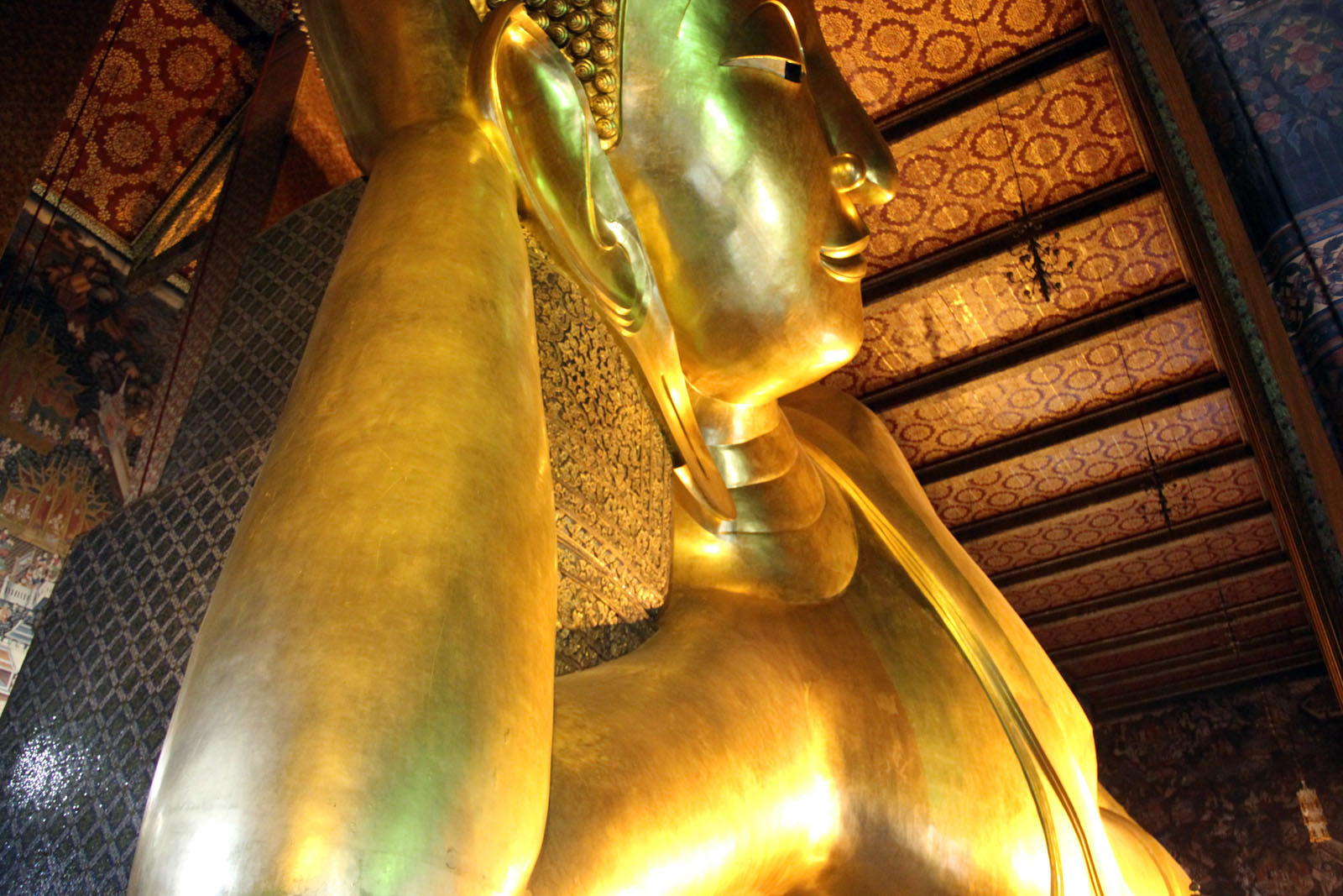 Wat Pho Temple of the Reclining Buddha in Bangkok