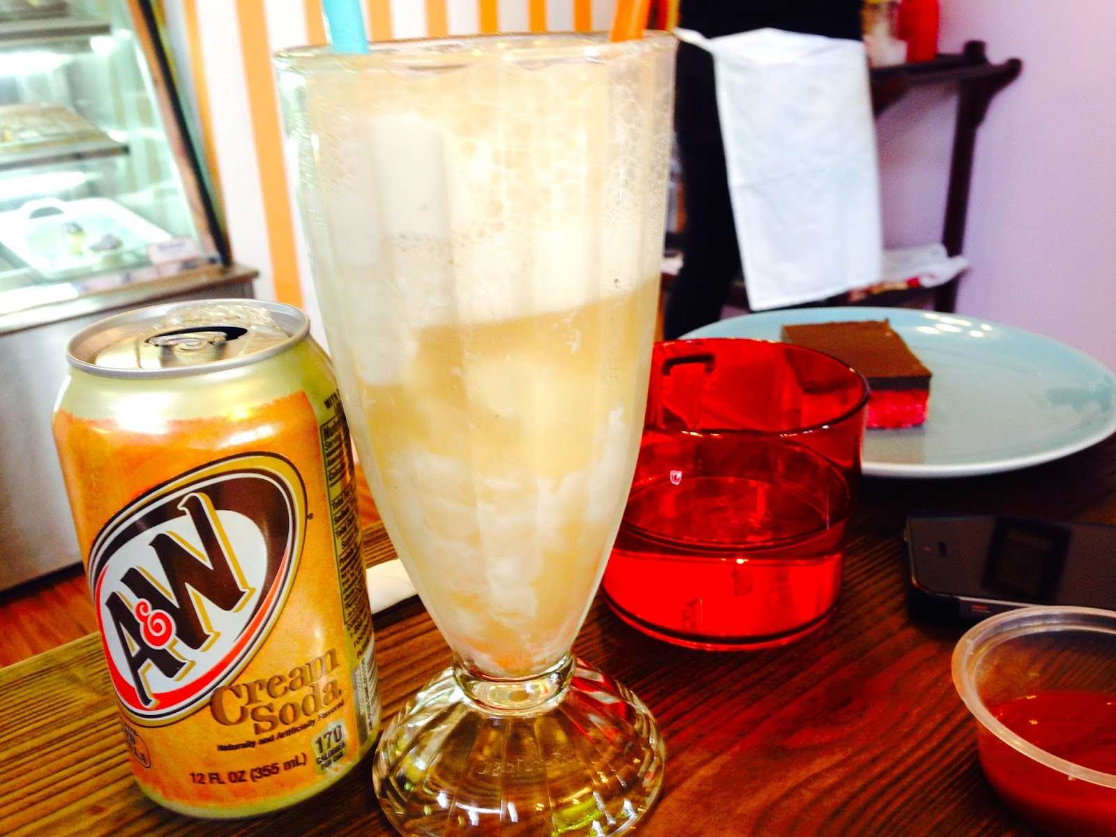 Cream Soda Float - Cherry Darlings Cruelty Free Bakehouse, Adelaide