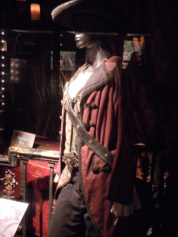 Penelope Cruz Angelica Pirates of the Caribbean 4 costume