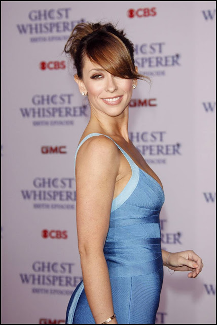 Jennifer Love Hewitt's Hot Pictures