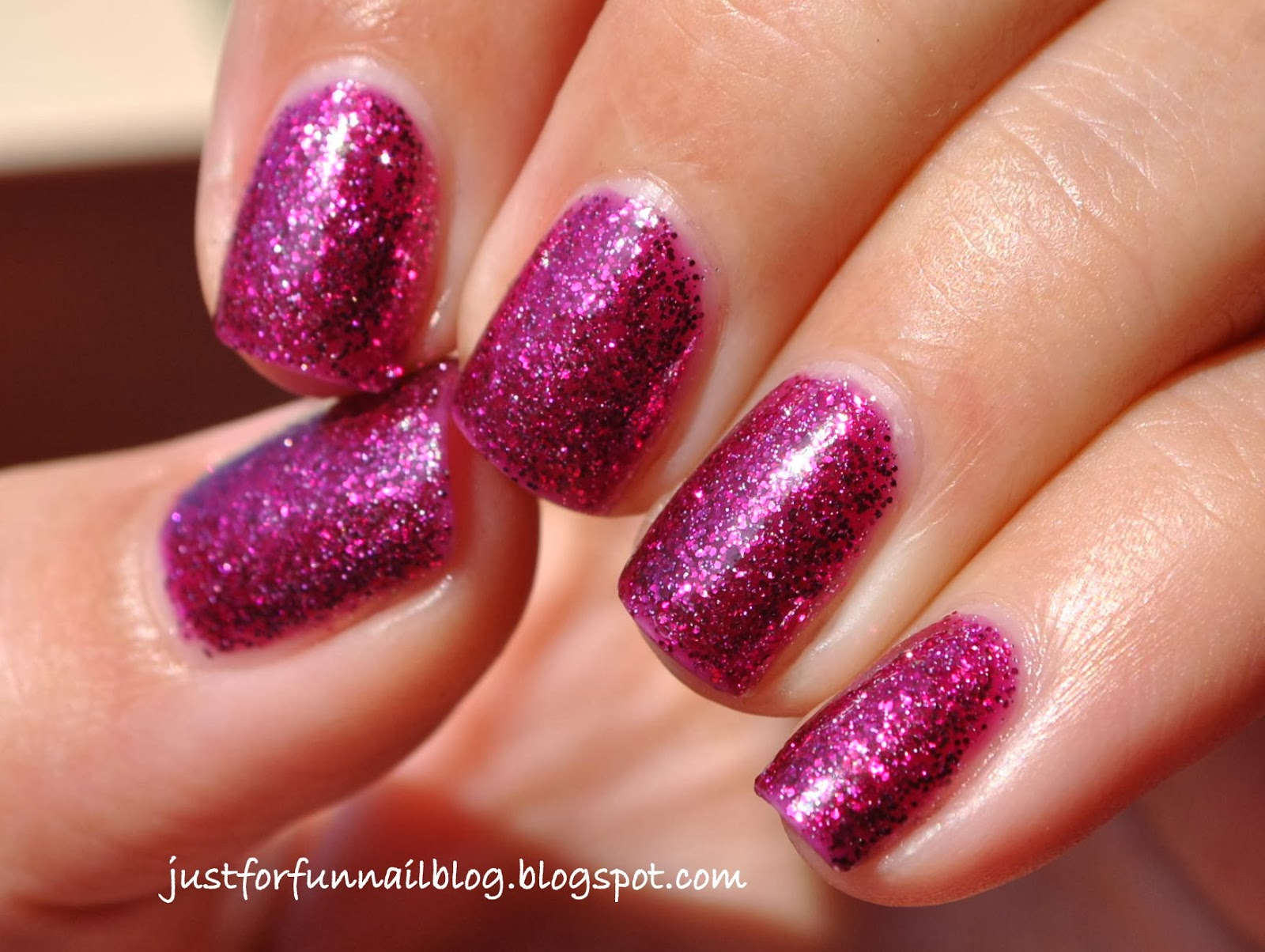 KIKO 438 Fascinating Burgundy