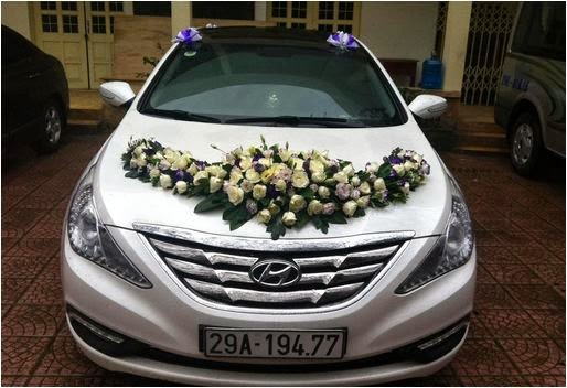 Cho thuê xe cưới màu trắng Hyundai Sonata 1