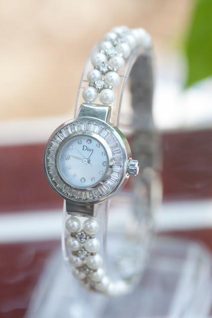 Đồng hồ nữ đính đá Dior