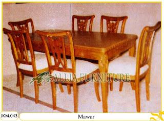 Kursi dan Meja Makan Ukiran Kayu Jati Mawar