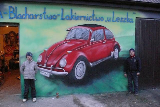 WV garbus malowanie na ścianie garbusa, aranżacja warsztatu mechanicznego Bydgoszcz