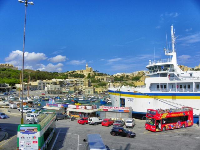 Puerto de ferrys en la isla de Gozo