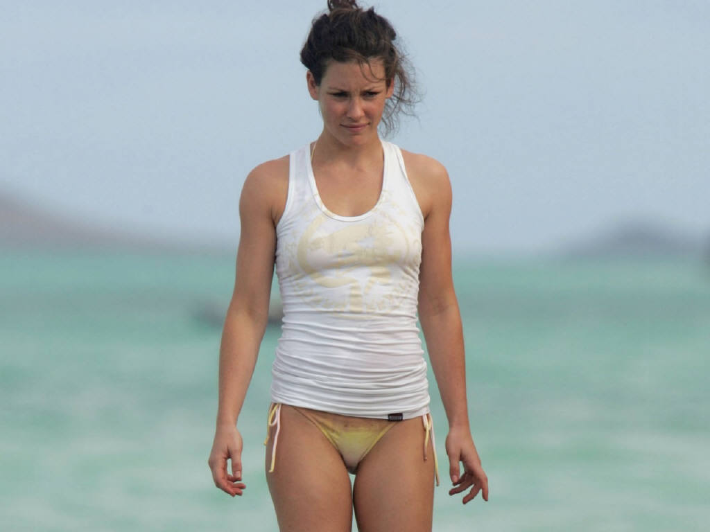 evangeline lilly hot bikini - photo #9