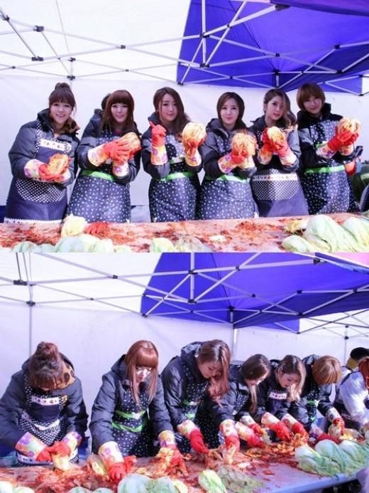 Dal Shabet Buatkan Kimchi Untuk Orang Tak Mampu