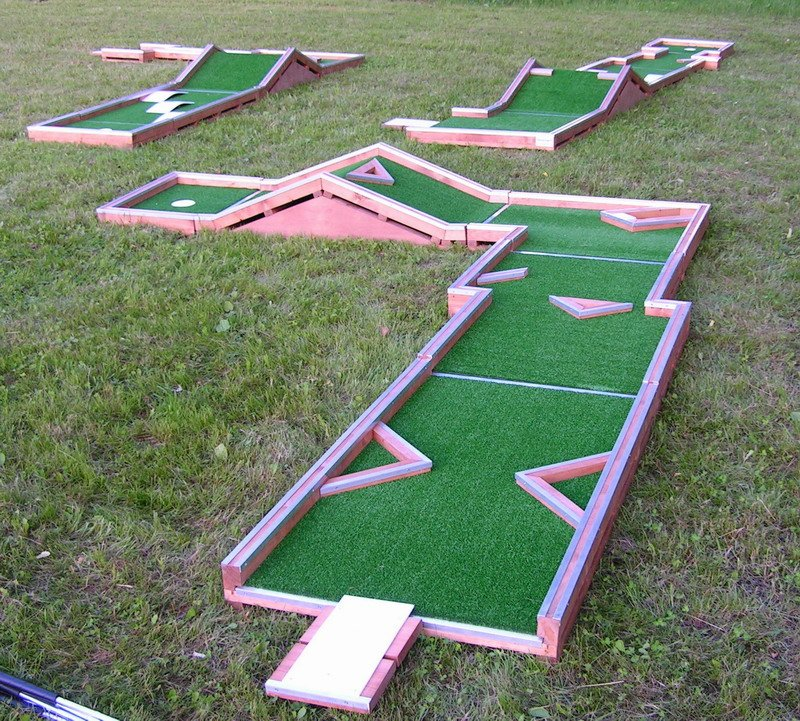 how to build a mini golf hole
