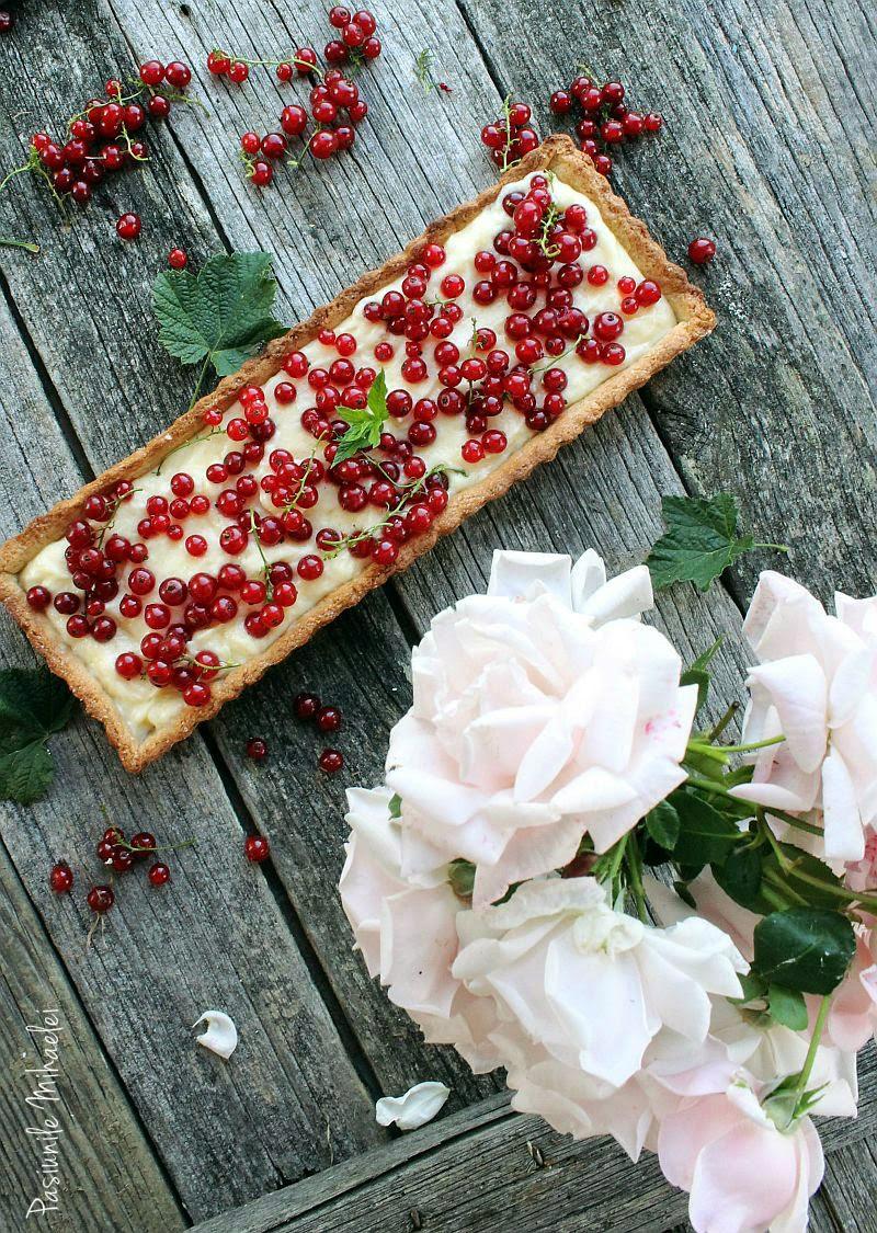 Tarta cu mascarpone si coacaze rosii