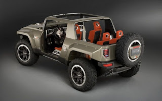 2012-Hummer-H4-Back.jpg