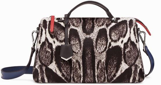 bolsa Fendi com estampa de pêlos coleção By The Way outono inverno 2015