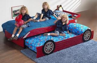 %C3%87ift ki%C5%9Filik arabal%C4%B1 yatak 550x354 Arabalı yatak modelleri