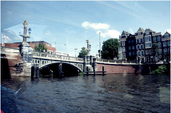 Amsterdam Travel Diary Tag 4 mit Grachtenfahrt EYE Film Instituut Vondelpark