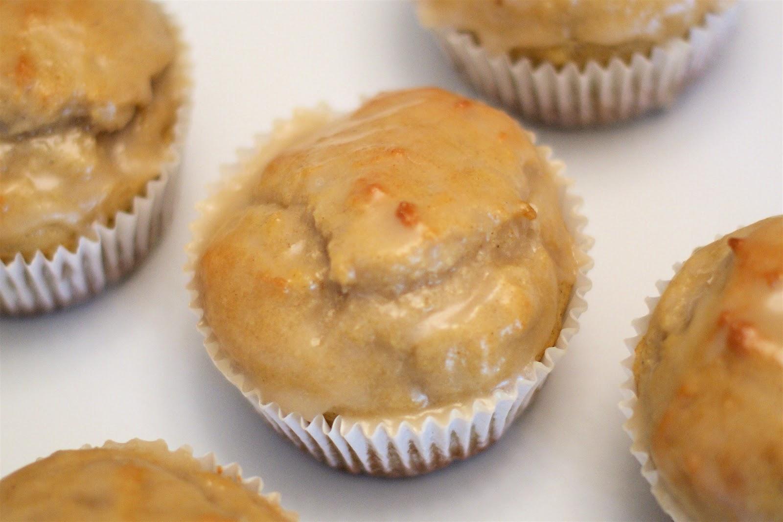 Sarah Bakes Gluten Free Treats: gluten free glazed donut muffins
