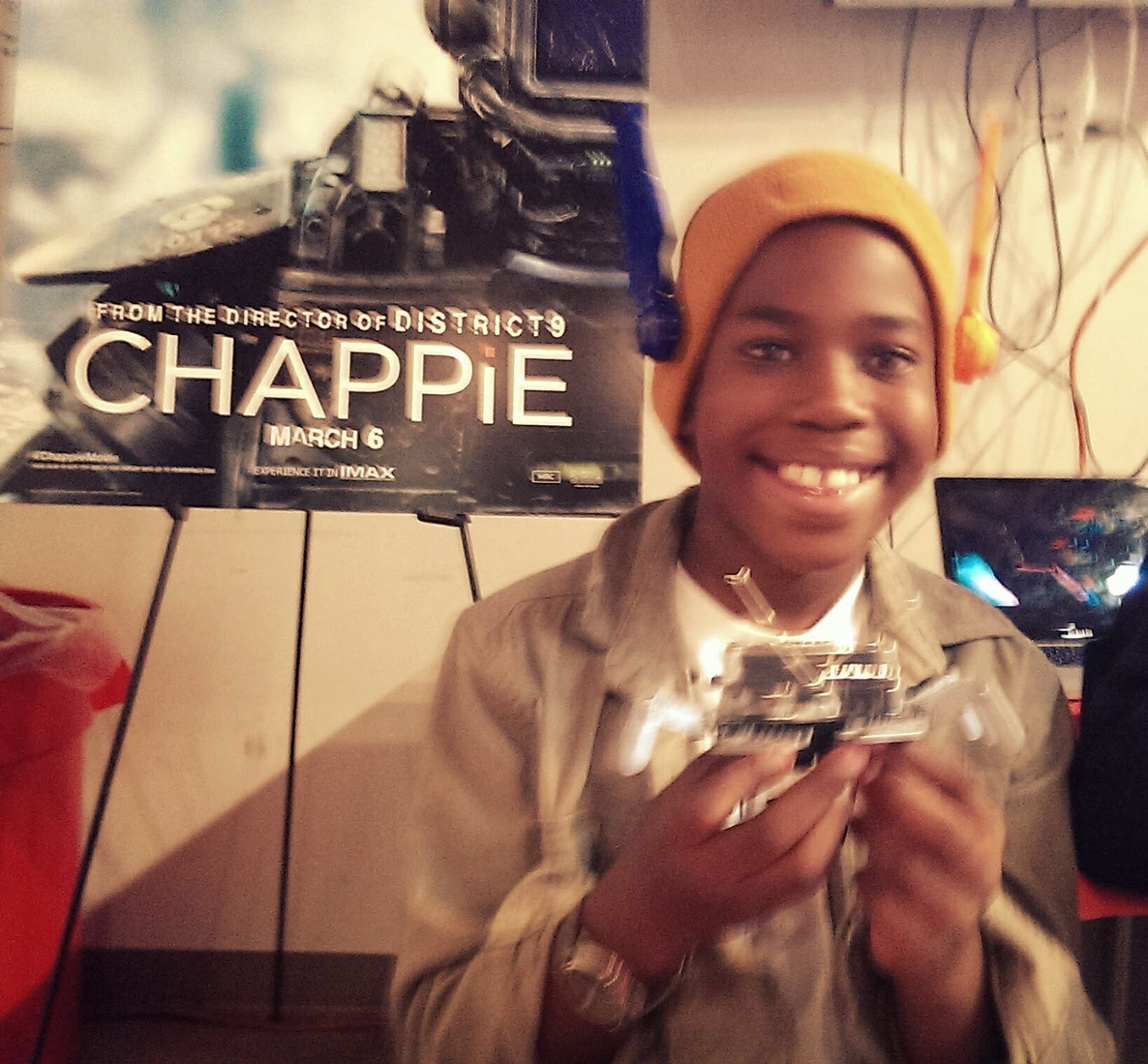 Robot%2BCrab Chappie is Now In Theaters!!!
