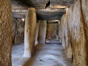 Cultura Megalítica. Dolmen de Menga (Antequera. Málaga)