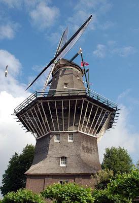 Gambar Kincir Angin di Belanda
