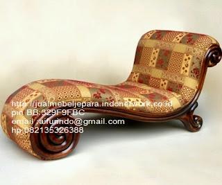 Jual mebel jepara,sofa klasik jepara Mebel furniture klasik jepara jual set sofa tamu ukir sofa tamu jati sofa tamu antik sofa jepara sofa tamu duco jepara furniture jati klasik jepara SFTM-33025 sofa klasik jati jepara