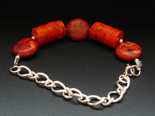 biżuteria z półfabrykatów - koralowa bransoletka