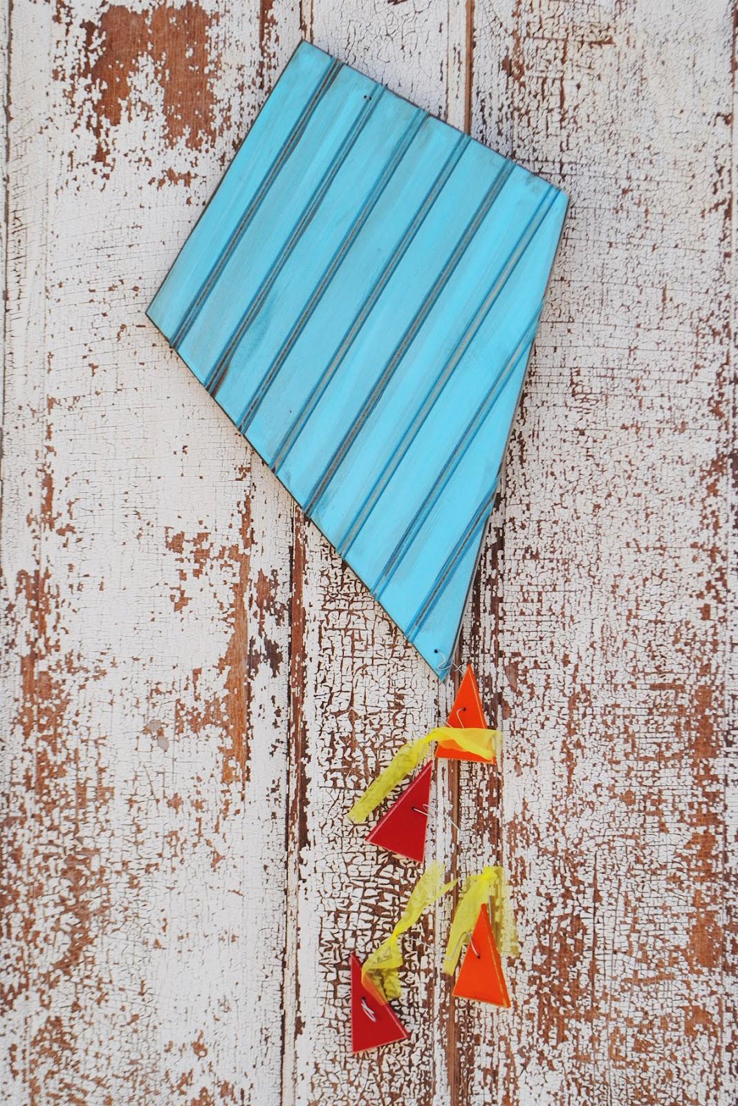 Dream it diy kite kit for Decoration kite