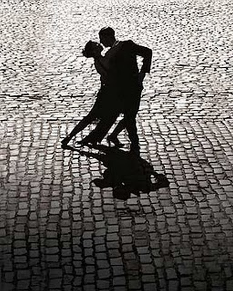 http://1.bp.blogspot.com/-Wnlmui3pbFw/UKZj9WQbIII/AAAAAAAAMQ0/8E7pD1G0LjQ/s960/4+tango.jpg