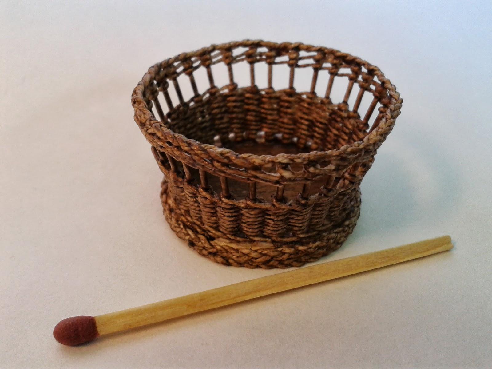 How to weave a miniature basket : Miniature house weaving baskets