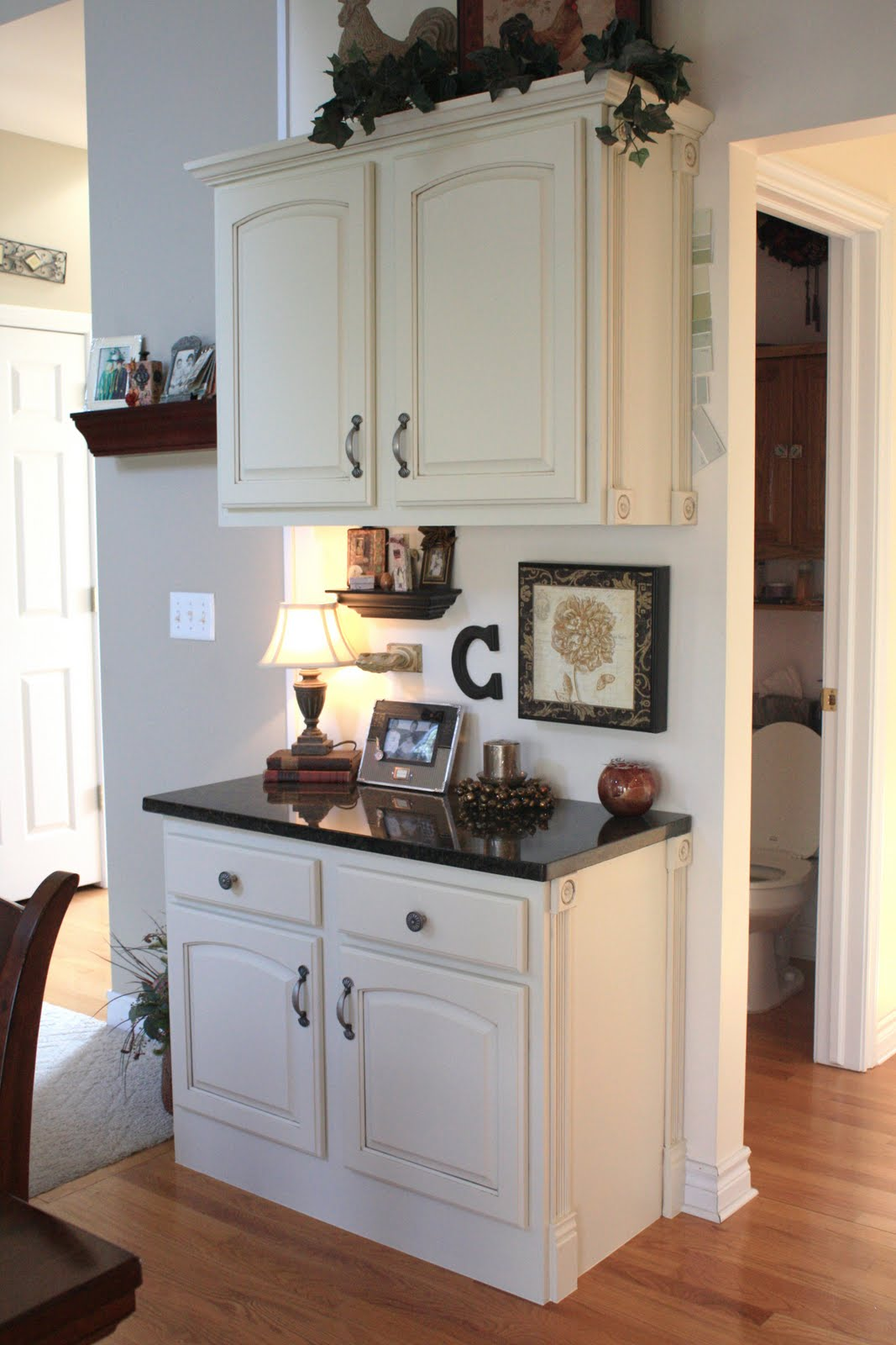 Kitchen cabinet crown molding ideas for Kitchen cabinets crown molding ideas