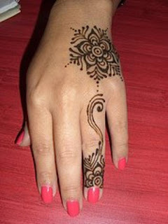 A very Simple Henna design for any time use at home