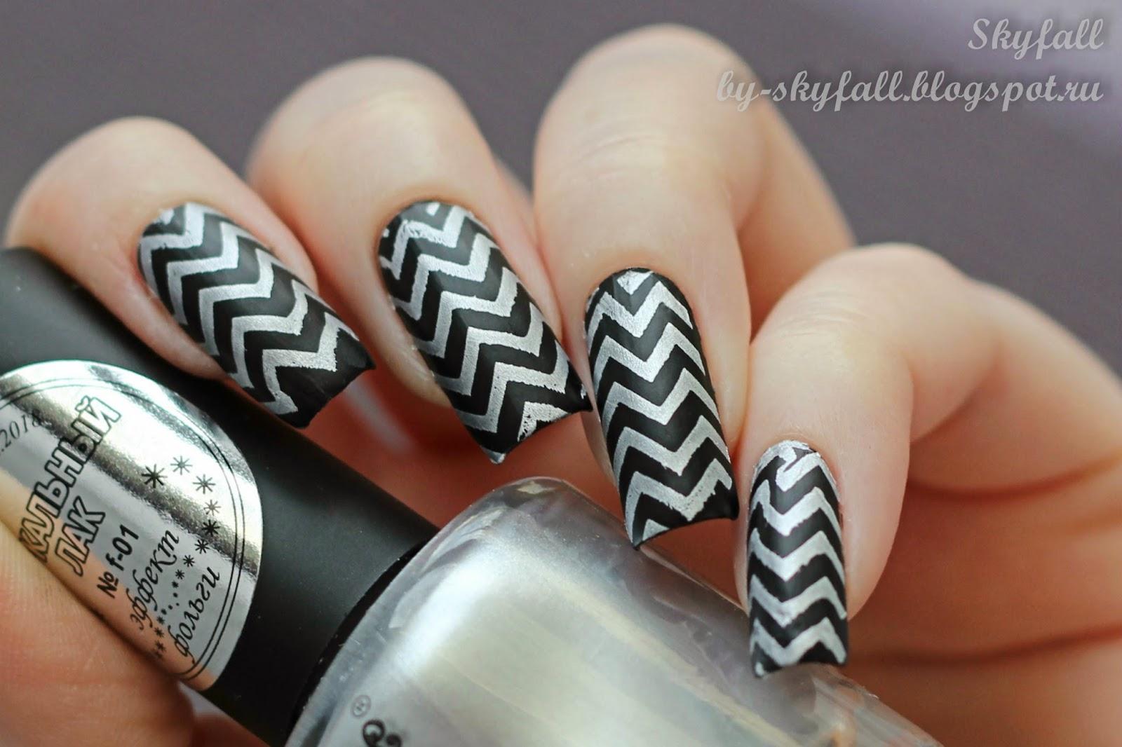 Дизайн ногтей с зигзагами фото