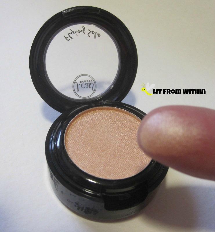 J.Cat eyeshadow in FSE 110 Flying Naked