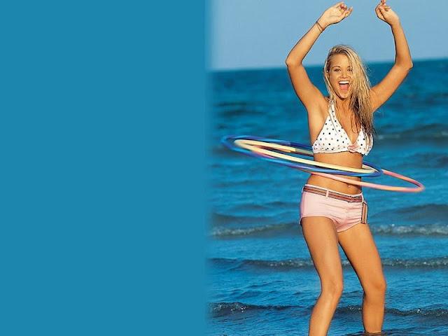 American Model Kara Monaco sexy in bikini