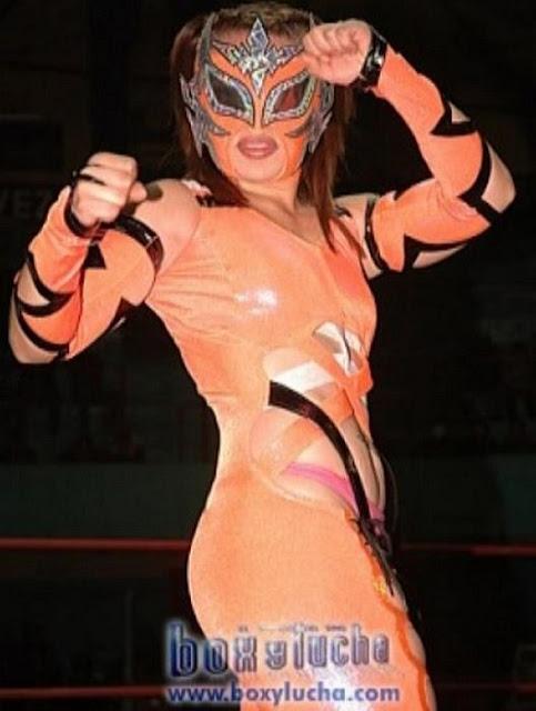 Lluvia - Female Luchador