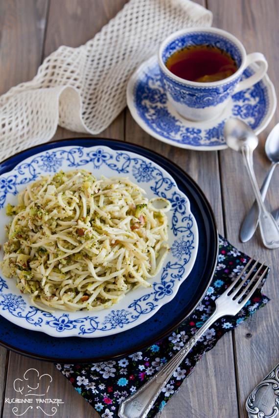 makaron z pesto, brokuły, pesto brokułowe, broccoli pesto, obiad, kuchenne fantazje, blogi kulinarne, makaron z pesto przepis, makaron z pesto zielonym, przepisy kulinarne,