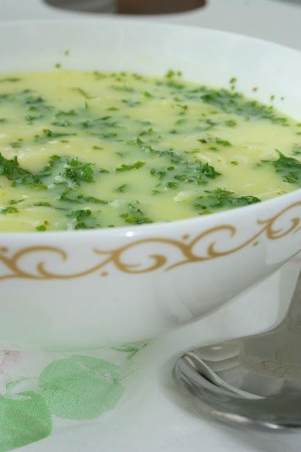 Błyskawiczna zupa z topionego serka