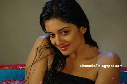 vimala raman sexy actress bedroom pics
