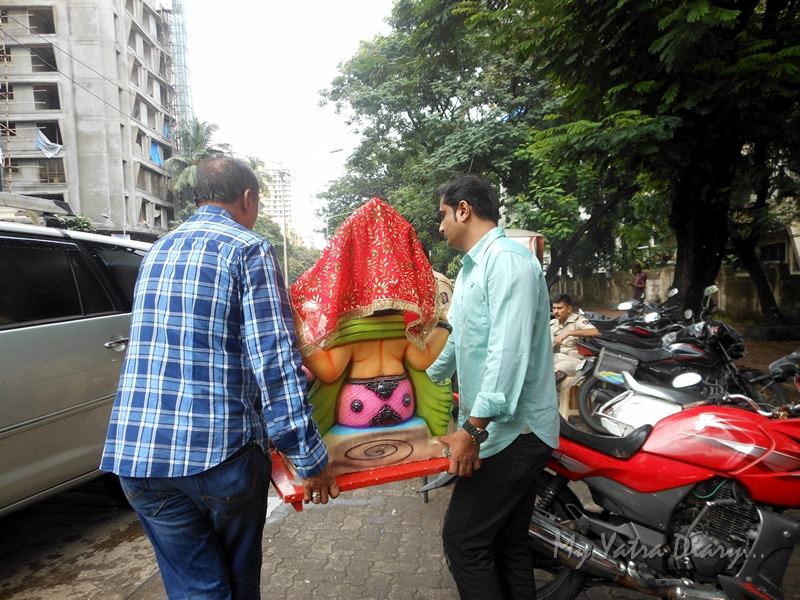 Ganesha being ferried to home, Ganesh Chaturthi Festival, Mumbai