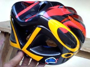 "kolom hsgautama: TIPS > Helm Sepeda ""Murah Meriah"""