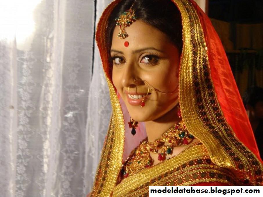 Bangladeshi Hot Model Mim Bidya Sinha Saha Pics