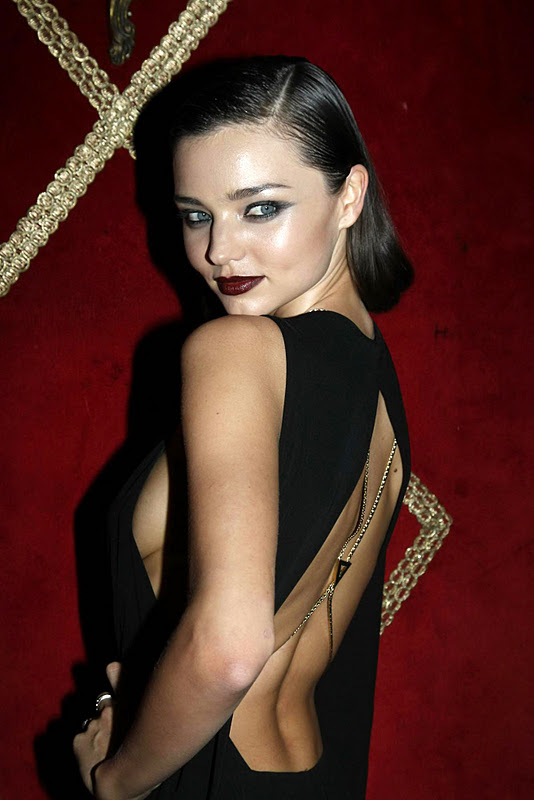 Miranda Kerr – Irreverent Dinner in Paris