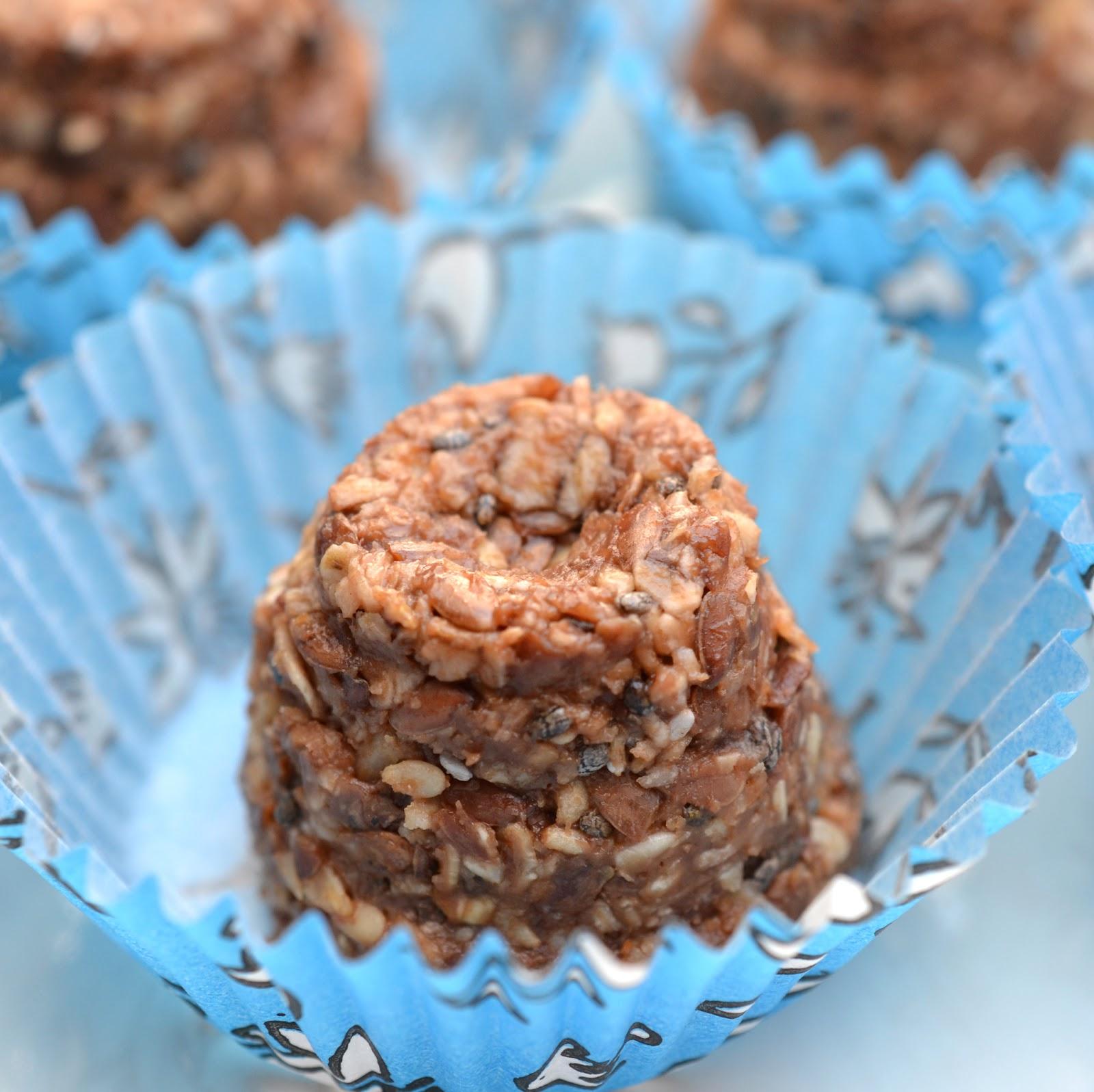 http://lenas-sofa.blogspot.de/2015/04/no-bake-peanut-butter-energy-pralinchen.html