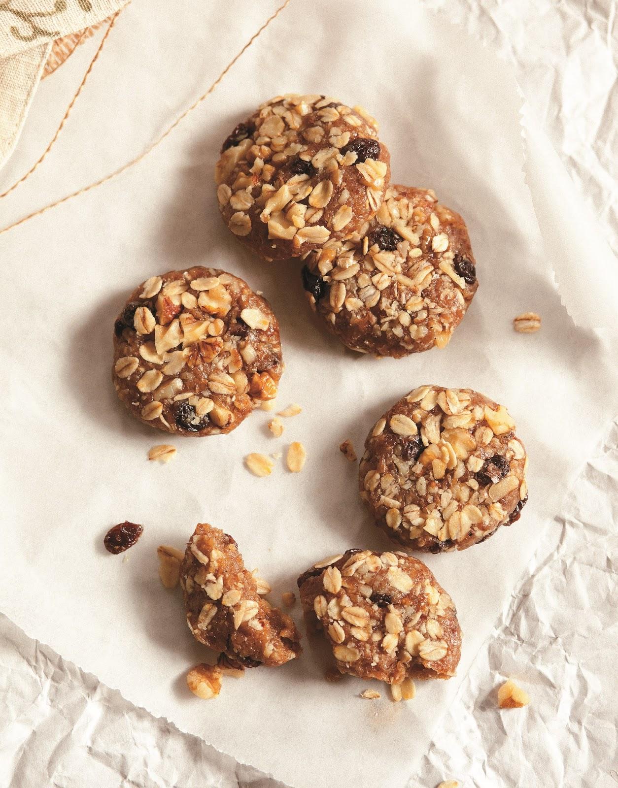 SPOON: Raw Week: Raw Oatmeal Walnut Raisin Cookies
