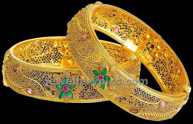 Beautiful Gold Bangles Collection 2015 Wallpaper