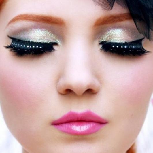 jüngeres Aussehen durch Make-up