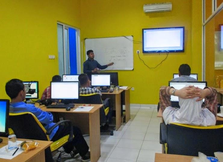 Ruang belajar DUMET School