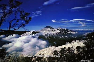 pemandangan_gunung_gamalama