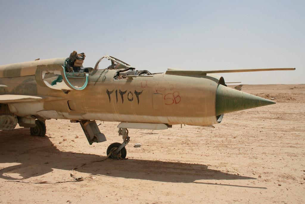 Irak - Página 2 IRAK+MIG-21BIS+21252+1