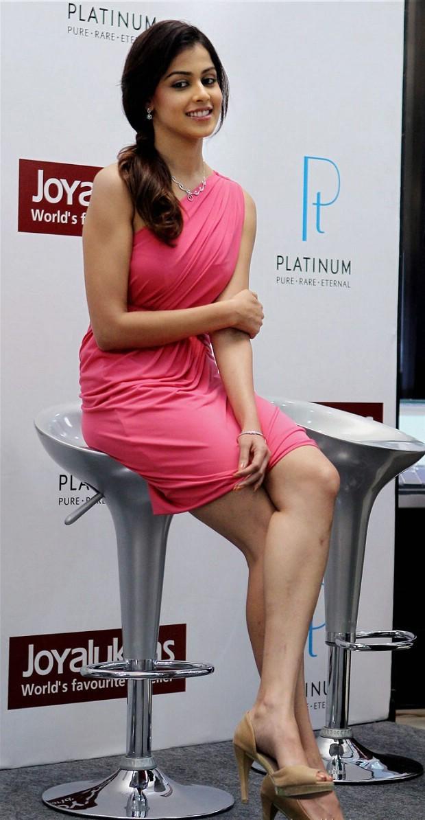 Movies Days: Alia Bhatt caught without panty