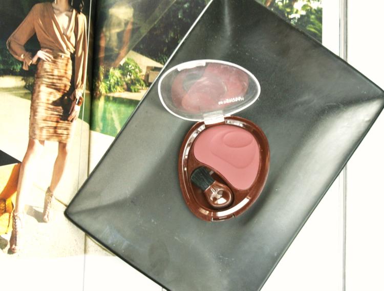 Deborah Milano Natural blush Cherry swatch pudrijera review