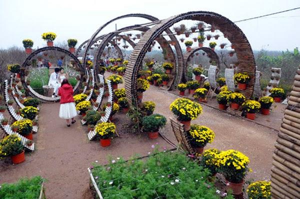 Vườn hoa Nhật Tân - Địa điểm chụp ảnh đẹp ở Hà Nội